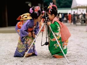 Postal: Pequeñas geishas