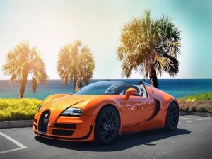 Postal: Bugatti Veyron naranja