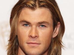 Postal: Los ojos azules de Chris Hemsworth