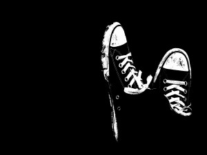 Postal: Zapatillas negras