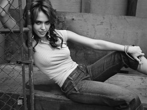 Postal: Jessica Alba, actriz estadounidense de cine y televisión