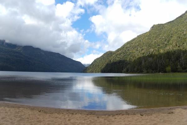 Lago Falkner (Neuquén, Argentina)