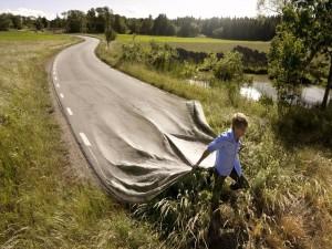 El chico que pone las carreteras