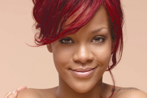 Rihanna feliz