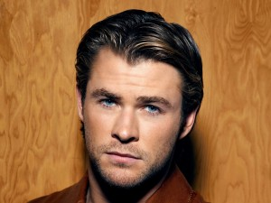 Postal: Chris Hemsworth, muy guapo