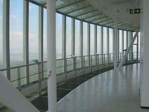 Interior de la torre de Collserola de Barcelona