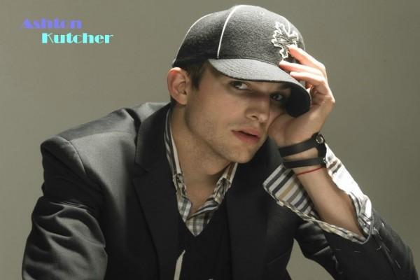 Ashton Kutcher con gorra