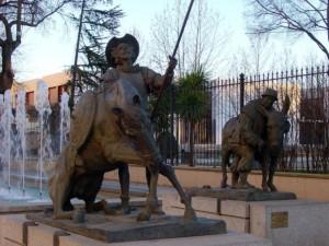 Estatuas de Don Quijote y Sancho Panza en Ciudad Real (España)