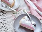 Pastel con crema de fresas