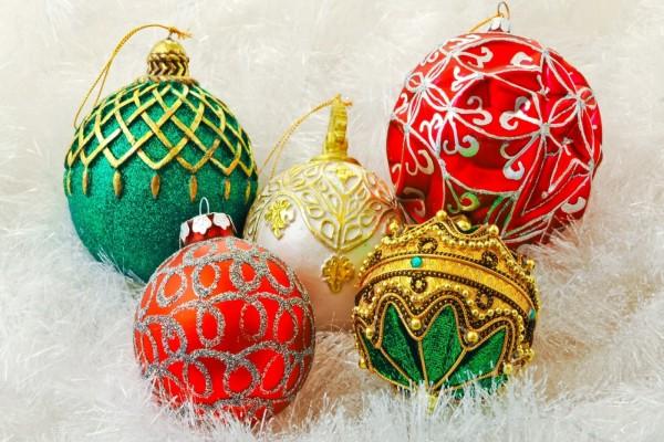 Bolas para decoración en Navidad