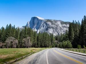 Postal: Carretera hacia la montaña