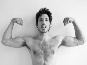 Andrés Velencoso y sus músculos