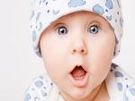Bebé sorprendido