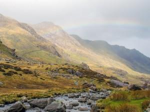 Postal: Arcoíris en la montaña