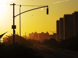 Postal: Un semáforo en la ciudad