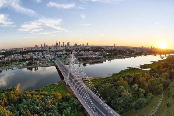El puente Swietokrzyski sobre el río Vistula
