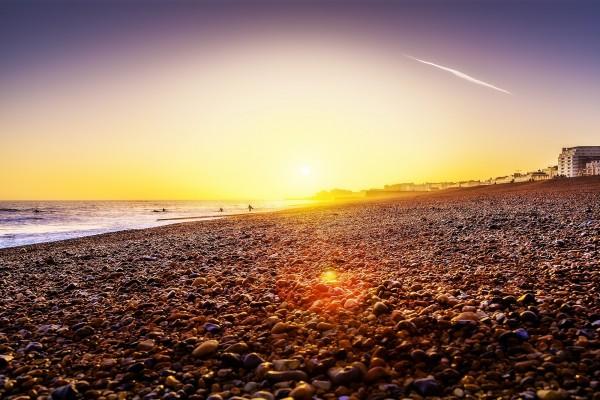 Puesta de sol en la playa de Brighton