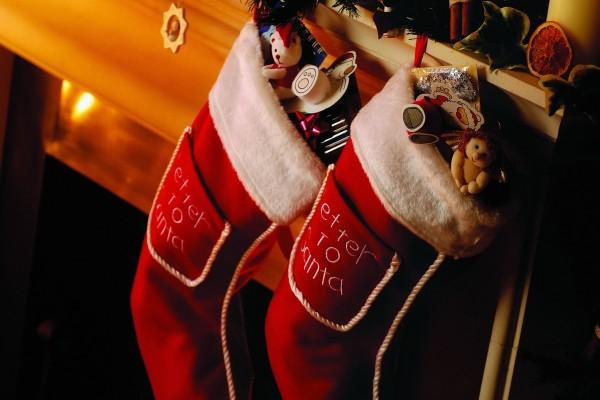 Botas navideñas con regalos