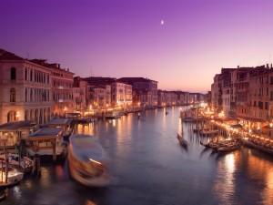 Postal: La luna en el Canal de Venecia