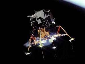 Un satélite en órbita