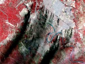 Postal: Piscinas de petróleo ardiendo en la ciudad de Bagdad