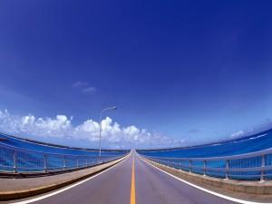 Postal: Carretera cruzando el mar