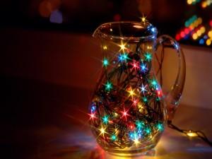 Luces de Navidad en una jarra