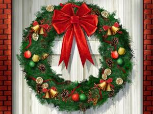 Adorno de Navidad en la puerta de casa