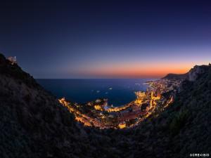 Postal: Vista nocturna de Mónaco