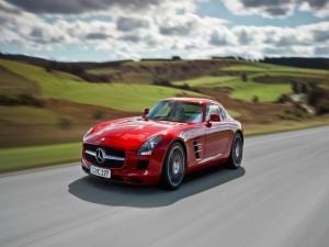 Postal: Mercedes-Benz SLS AMG
