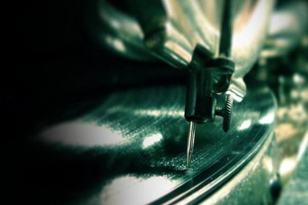 La aguja de un tocadiscos