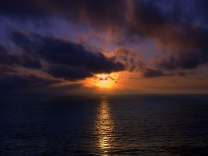 El reflejo del sol en el mar