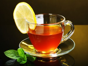 Té con limón y hierbabuena