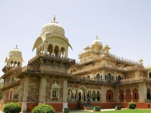 Postal: Edificio monumental en la India