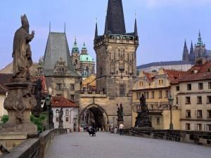 Postal: Una calle de Praga