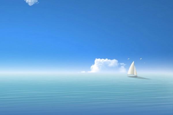 Barco velero en el mar
