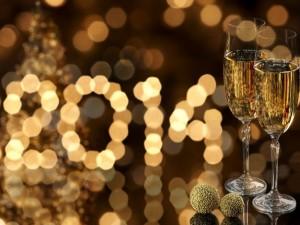 Postal: Copas de champán para festejar el Nuevo Año 2014