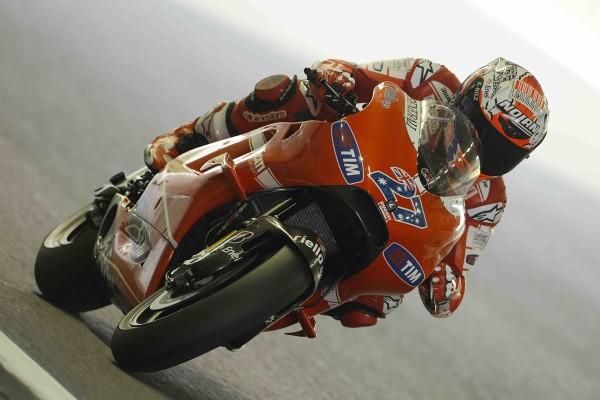 Ducati 27, pilotada por el australiano Casey Stoner (MotoGP)