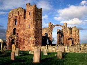 Postal: Ruinas del monasterio de Lindisfarne