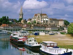 Vista de Auxerre, Borgoña (Francia)