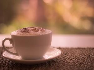 Postal: Taza de chocolate con crema