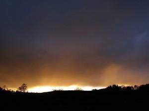 Postal: Nubes oscuras