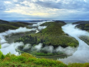 Vista aérea de un río amazónico