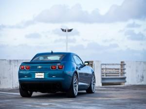 Chevrolet Camaro SS azul