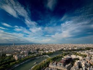 Vista del río Sena y la ciudad de París