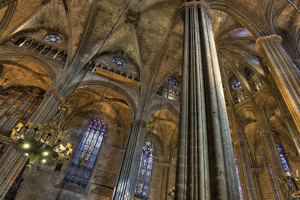 Interior de la Catedral de la Santa Cruz y Santa Eulalia, en Barcelona