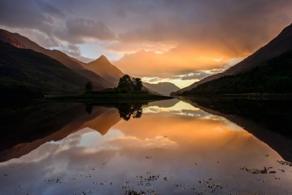 Río y montañas (Nueva Zelanda)