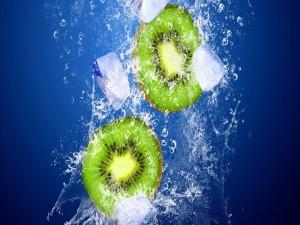 Postal: Kiwis con hielos