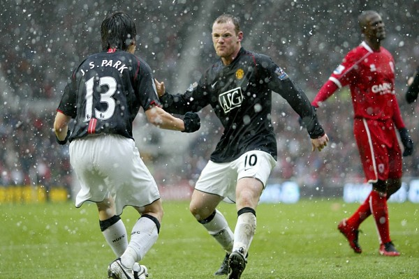 Wayne Rooney y Park Ji-Sung (Manchester United)