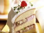 Pastel con crema de pistachos